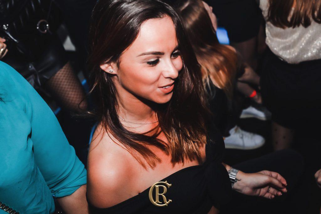 Ladies Bar Replay