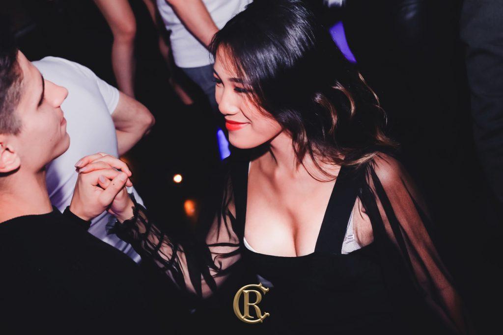 Ladies Bar Black Friday